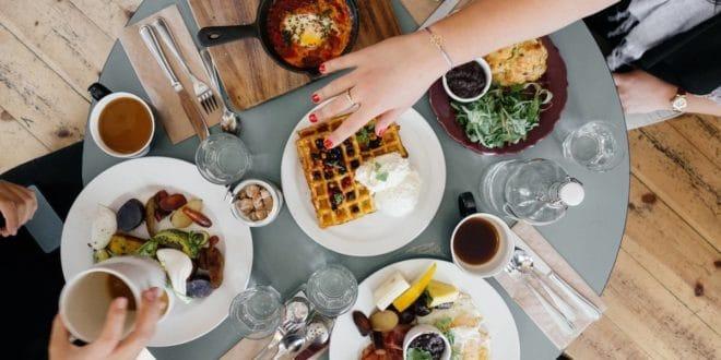 comment-organiser-un-dejeuner-daffaires-pour-reussir-votre-rendez-vous